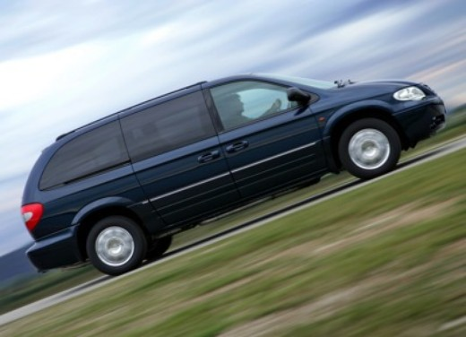 Chrysler Voyager Stow 'n Go - Foto 2 di 5