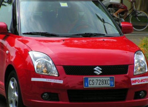 Suzuki Swift 1.3 16v: Test Drive - Foto 4 di 27