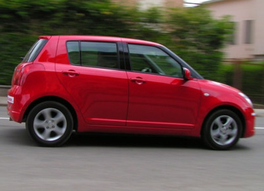 Suzuki Swift 1.3 16v: Test Drive - Foto 5 di 27