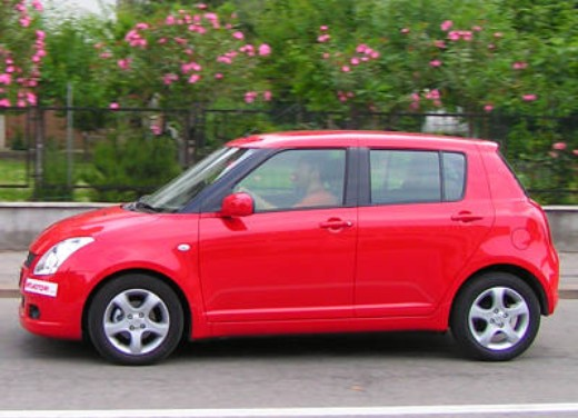 Suzuki Swift 1.3 16v: Test Drive - Foto 6 di 27