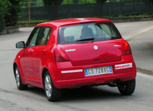 Suzuki Swift 1.3 16v: Test Drive - Foto 7 di 27