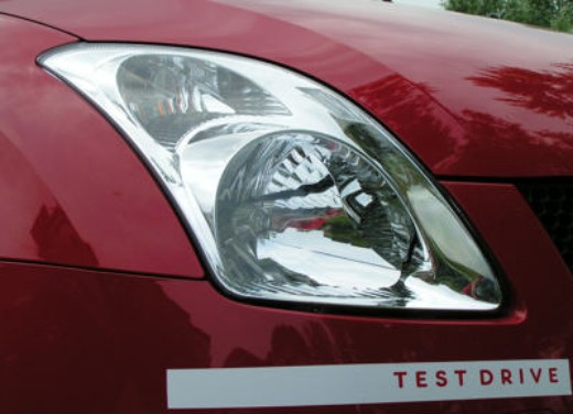 Suzuki Swift 1.3 16v: Test Drive - Foto 19 di 27
