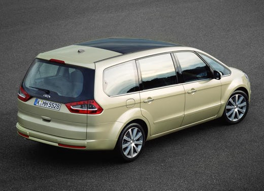 Ford Galaxy 2.0 TDCi Ghia – Long Test Drive per il capiente multispazio
