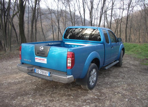 Nissan Navara Double Cab – Long Test Drive - Foto 24 di 38