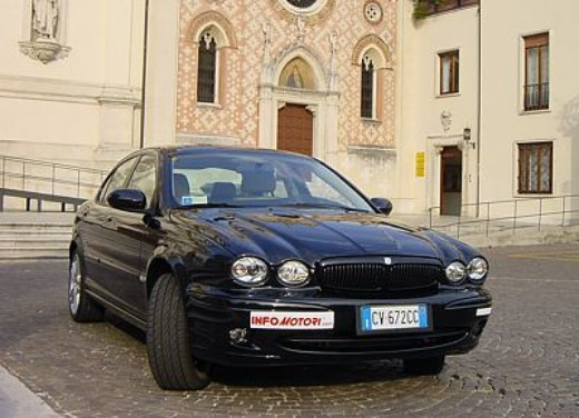 Jaguar X-Type 3.0: Test Drive - Foto 18 di 19