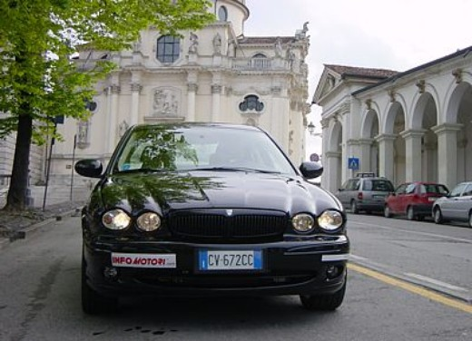Jaguar X-Type 3.0: Test Drive - Foto 19 di 19