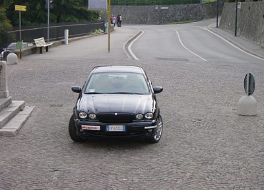Jaguar X-Type 3.0: Test Drive - Foto 2 di 19