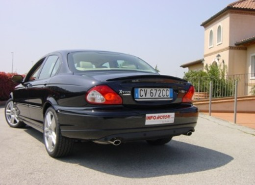 Jaguar X-Type 3.0: Test Drive - Foto 6 di 19