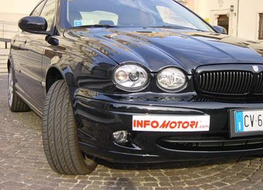 Jaguar X-Type 3.0: Test Drive - Foto 7 di 19