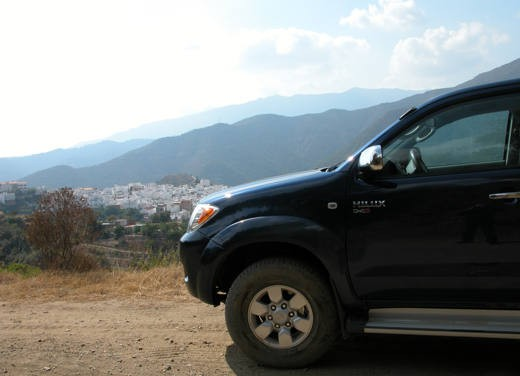 Toyota Hilux: Test Drive - Foto 2 di 20