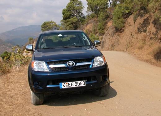 Toyota Hilux: Test Drive - Foto 3 di 20