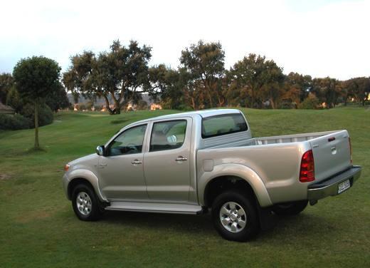 Toyota Hilux: Test Drive - Foto 9 di 20