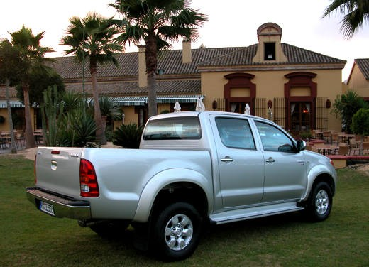 Toyota Hilux: Test Drive - Foto 10 di 20