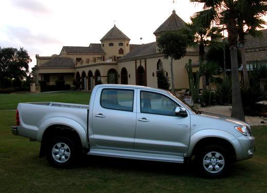 Toyota Hilux: Test Drive - Foto 11 di 20