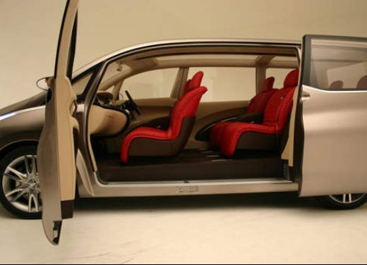 Nissan Amenio Infomotori