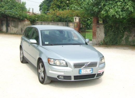 Volvo V50 D5 – Long Test - Foto 2 di 21