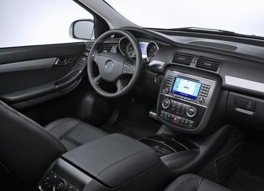 Mercedes-Benz Classe R 63 AMG - Foto 10 di 11