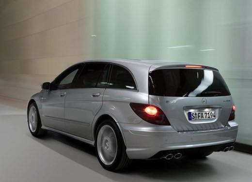 Mercedes-Benz Classe R 63 AMG - Foto 4 di 11