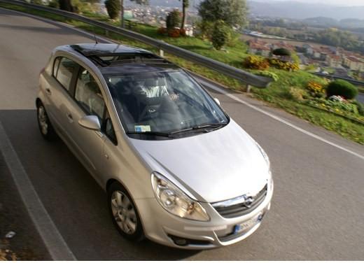 Opel Corsa - Foto 39 di 131