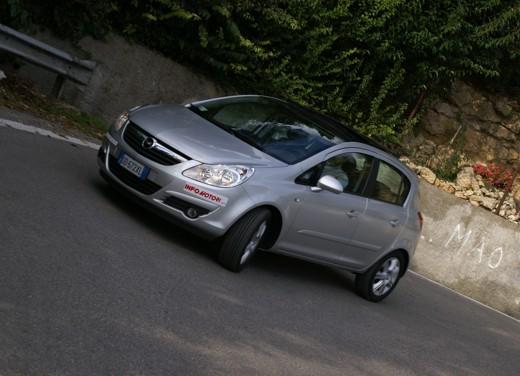 Opel Corsa - Foto 48 di 131