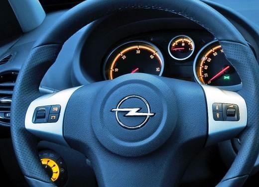 Opel Corsa - Foto 25 di 131