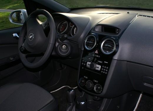 Opel Corsa - Foto 32 di 131