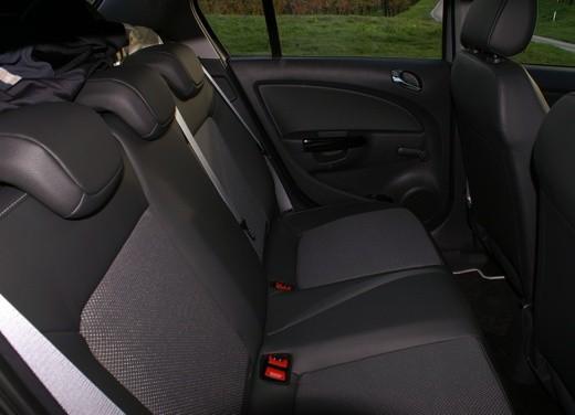 Opel Corsa - Foto 33 di 131