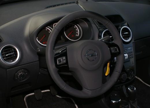 Opel Corsa - Foto 34 di 131