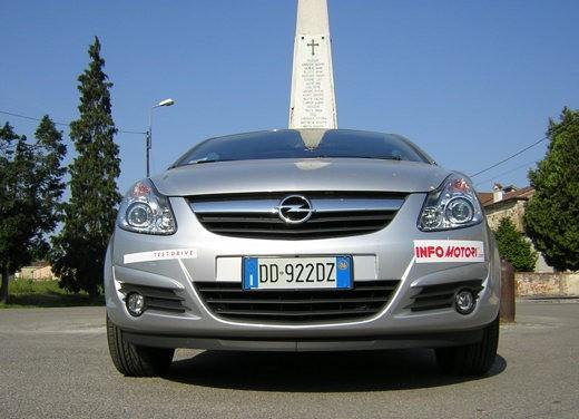 Opel Corsa - Foto 118 di 131