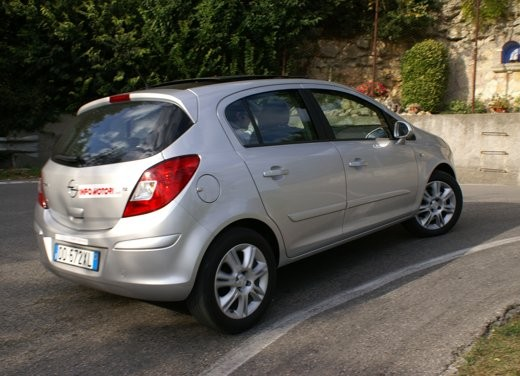Opel Corsa - Foto 95 di 131