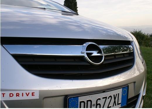 Opel Corsa - Foto 100 di 131