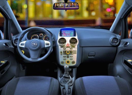 Opel Corsa - Foto 111 di 131