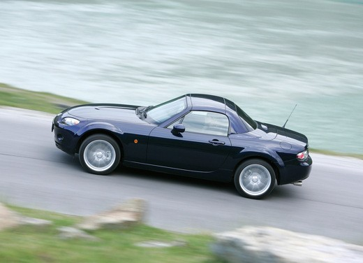 Mazda MX-5 Roadster Coupè – Long Test Drive - Foto 8 di 68