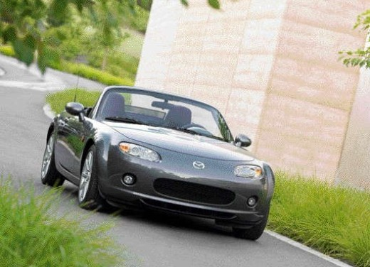 Mazda MX-5 Roadster Coupè – Long Test Drive - Foto 30 di 68