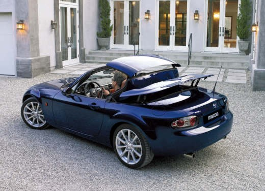 Mazda MX-5 Roadster Coupè – Long Test Drive - Foto 27 di 68