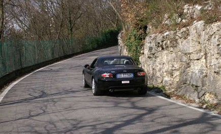 Mazda MX-5 Roadster Coupè – Long Test Drive - Foto 40 di 68