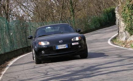 Mazda MX-5 Roadster Coupè – Long Test Drive - Foto 64 di 68