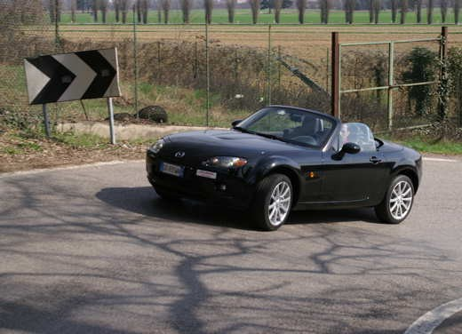 Mazda MX-5 Roadster Coupè – Long Test Drive - Foto 50 di 68