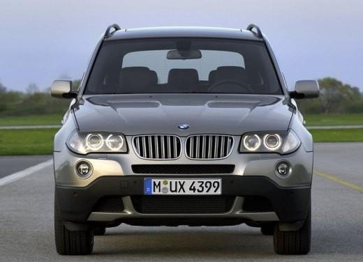 BMW X3 prova su strada del restyling del modello 2006 che apre la strada dei suv premium compatti