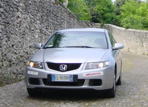 Honda Accord Tourer 2.2 i-Dtec – Long Test Drive - Foto 2 di 25