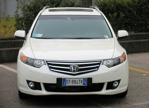Honda Accord Tourer 2.2 i-Dtec – Long Test Drive - Foto 17 di 25