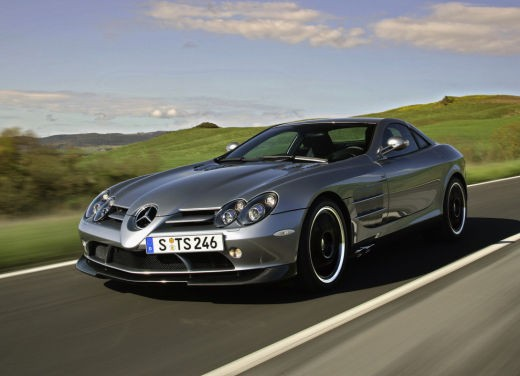 Mercedes SLR 722 Test Drive Report Video - Foto 2 di 29