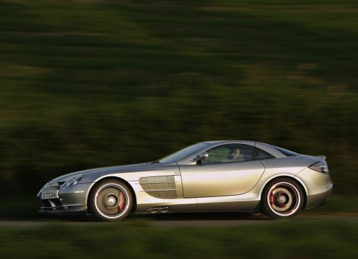 Mercedes SLR 722 Test Drive Report Video - Foto 4 di 29