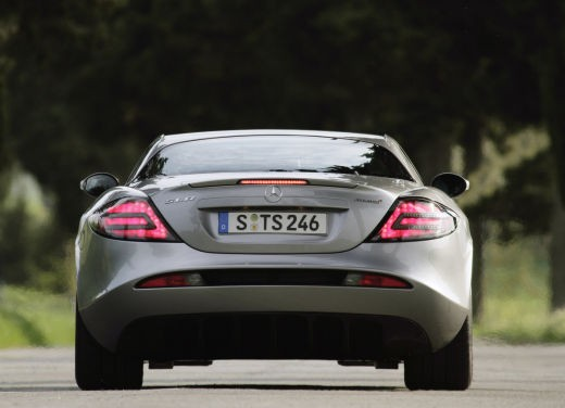 Mercedes SLR 722 Test Drive Report Video - Foto 9 di 29