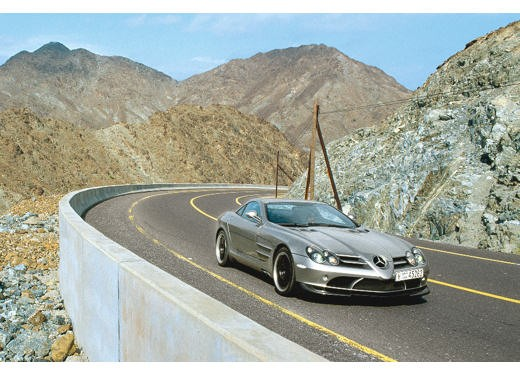 Mercedes SLR 722 Test Drive Report Video - Foto 21 di 29