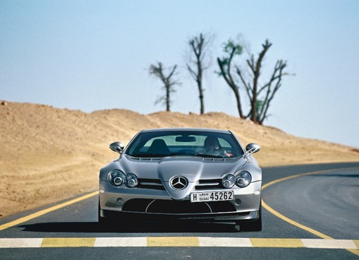Mercedes SLR 722 Test Drive Report Video - Foto 23 di 29
