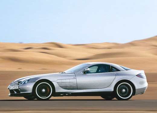 Mercedes SLR 722 Test Drive Report Video - Foto 13 di 29