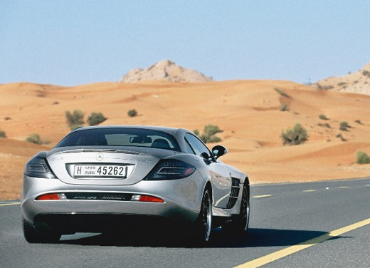 Mercedes SLR 722 Test Drive Report Video - Foto 14 di 29