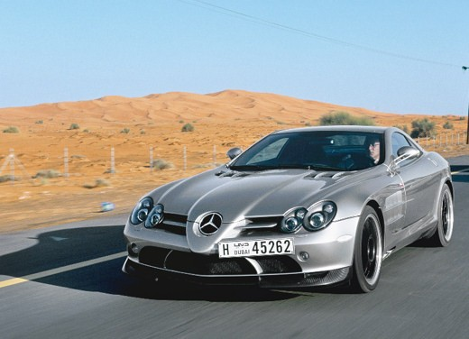 Mercedes SLR 722 Test Drive Report Video - Foto 15 di 29