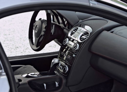 Mercedes SLR 722 Test Drive Report Video - Foto 10 di 29